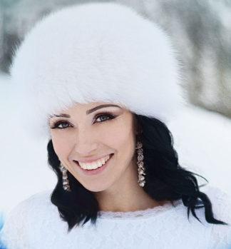 Зимняя шапка для невесты