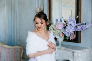 Белый свадебный палантин из кролика